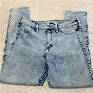 Light-Washed Cropped Hollister Jeans